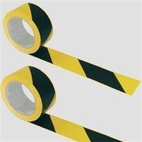 Bariéry, vyznačovací pásky a výstražné tabule